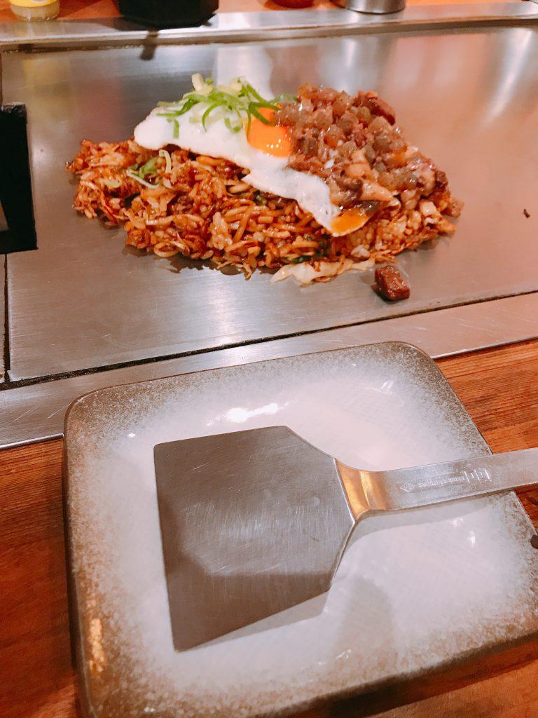 鉄板とぼっかけそば飯